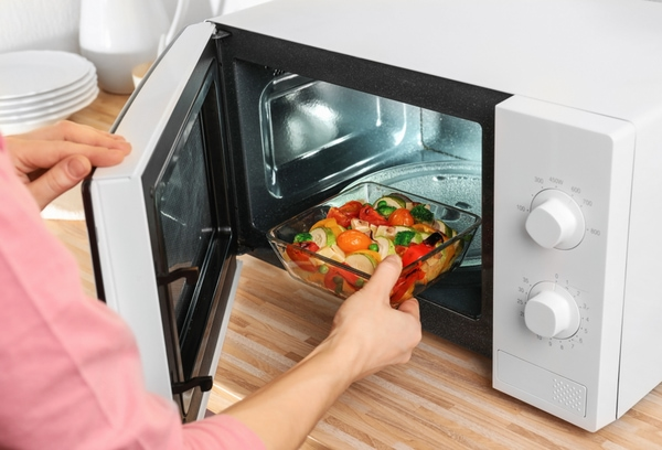 10 myths debunked - microwaving destroys nutrients