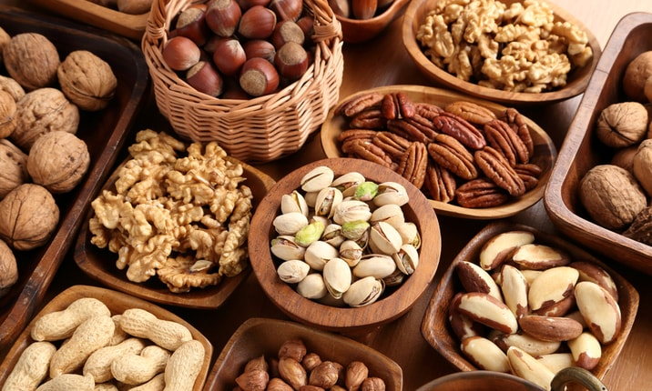 Dietitian snacks nuts