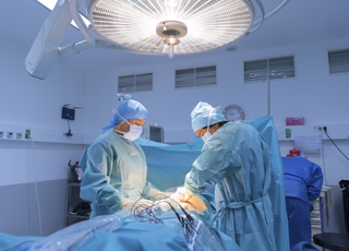 The Benefits of Minimally Invasive Surgery in Treating Colorectal Cancer