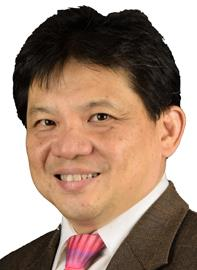 Dr Lim Chong Hee specialises in Cardiothoracic Surgery and